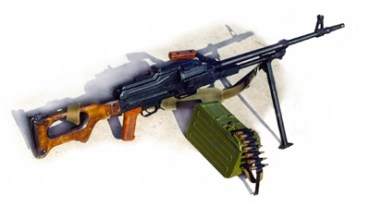 За зберігання у міській квартирі кулемета та протитанкoвої гранати два тернополянина засуджені до 4 та 3 років позбавлення волі