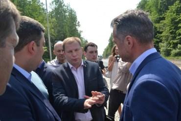 """""""Потьомкінська дорога"""" на Тернопільщині не сподобалась Гройсману"""
