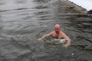 Скупатися раз у рік в крижаній воді це не героїзм, а понти