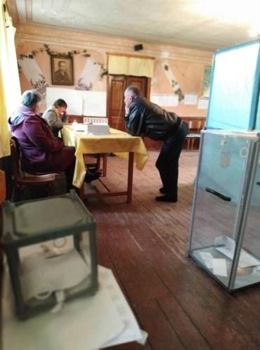 У Тернопільській області була недостатня кількість виборчих скриньок та інформаційних плакатів