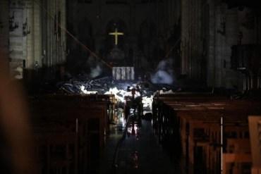 Як виглядає Собор Паризької Богоматері після пожежі