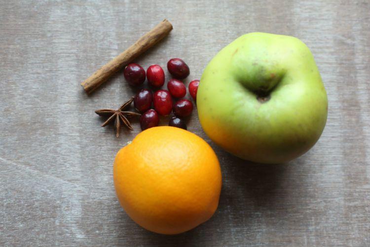 Cranberry Apple Sauce Prep