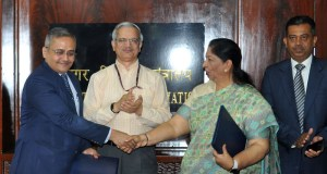 The Secretary, Ministry of Civil Aviation, R.N. Choubey witnessing the exchange of MoU between NSDC and Bird Academy with regards to skilling unemployed youth and women in Aviation and Aerospace Sector, in New Delhi on June 01, 2017.