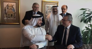 Image capturing the signing ceremony between IHG and API Hotels & Resorts for Crowne Plaza Dubai Business Bay and InterContinental Residence Suites Dubai Business Bay