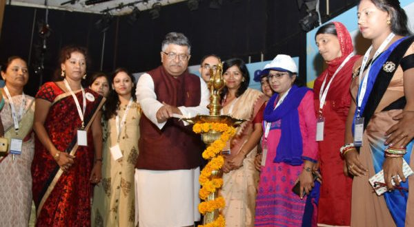 """The Union Minister for Electronics & Information Technology and Law & Justice, Ravi Shankar Prasad lighting the lamp to inaugurate the National Level workshop on """"Tele-Entrepreneurship Course (TEC)"""", organised by CSC, in New Delhi on May 14, 2018."""