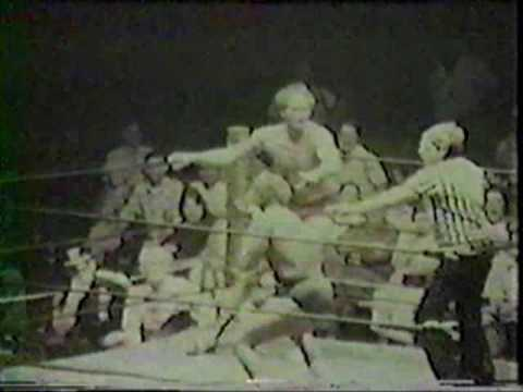 Bob Armstrong vs. Ron Fuller in a Southeastern Wrestling Match