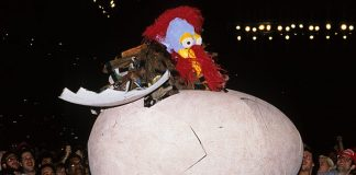 "The Gobbledy Gooker debuts at Survivor Series 1990. ""That was (not) awesome!"" (clap clap clapclapclap)"