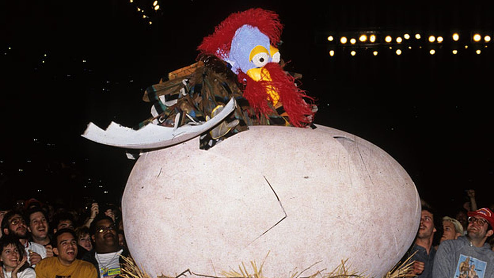 The Gobbledy Gooker debuts at Survivor Series 1990. 'That was (not) awesome!' (clap clap clapclapclap)