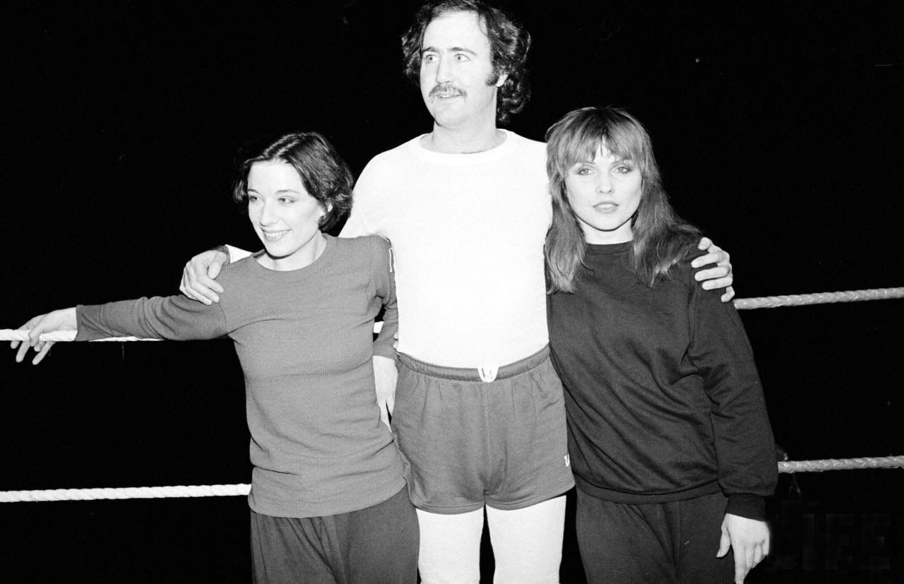 Caitlan Clarke, Andy Kaufman, and Debbie Harry in the 1983 Broadway play