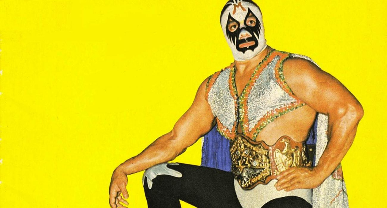 Mil Máscaras was a game-changer in the world of professional wrestling. He lived the character he represented, a philosophy that remains unchanged still to this day.