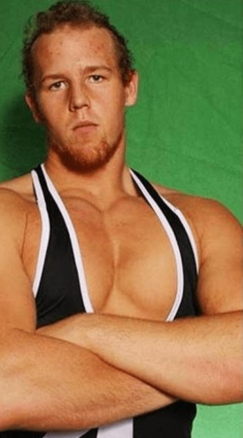 Erick Rowan with hair could almost pass as Jack Hager's twin!