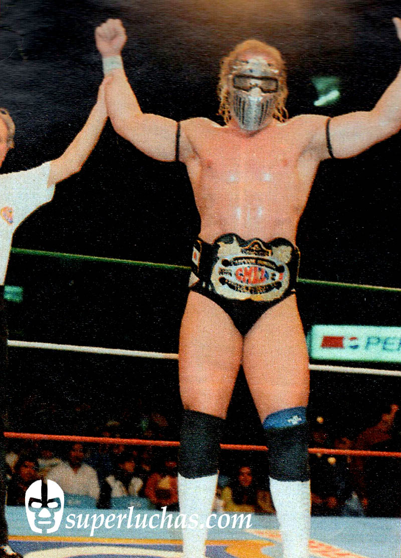 Val Venis, then known as Steele, after winning the CMLL World Heavyweight Championship by beating Jalisco Jr.