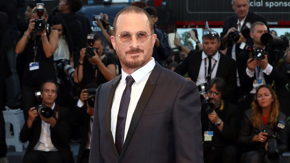 Outspoken movie director Darren Aronofsky is perplexed as to why professional wrestlers are still not unionized or part of SAG-AFTRA.