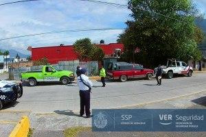 Taxistas no acatan reglamento de Tránsito en Ciudad Mendoza