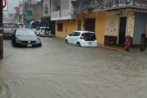 Falla obra de alcalde de Zongolica, contra inundaciones