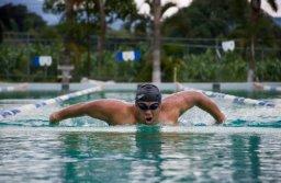 Omar Osorio nadará 32 horas consecutivas