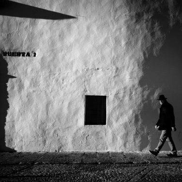 """Puerta dos hombre uno"" - Jose Ant Domínguez - 140915"