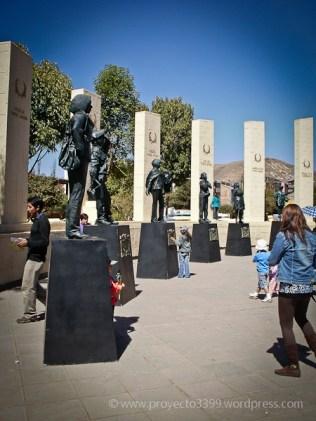 Héroes del Bicentenario, Instalación (plaza Túpac Amaru, Wanchaq, Cusco)
