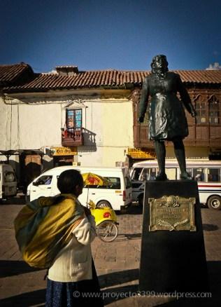 Héroes del Bicentenario, Instalación (plaza San Francisco, Cusco)
