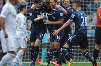 Los Spurs celebran el primer gol