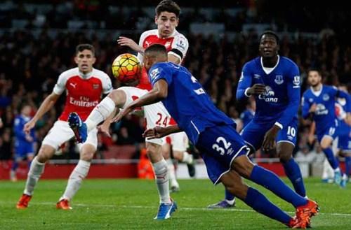 El Arsenal quiere despedir la temporada ganando