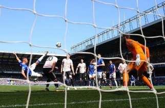 El Everton desploma al United con una goleada
