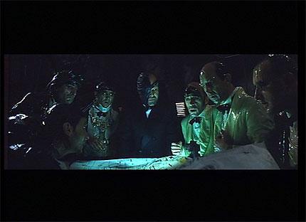Acción Mutante. A la derecha de la imagen, los siameses antes de la muerte de uno de ellos