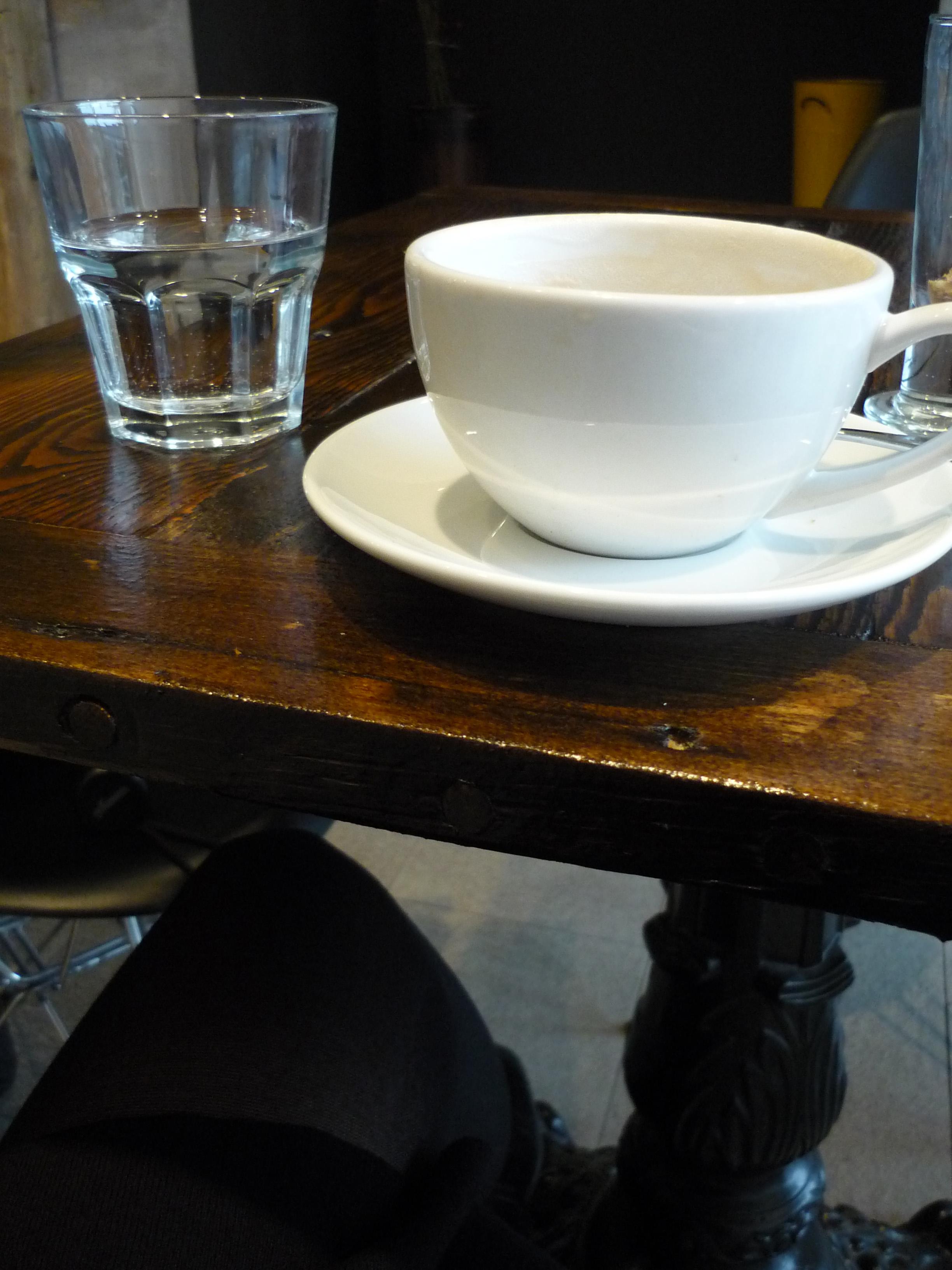 Jesenji dan u kafeu