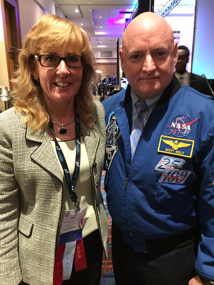 janet-kacskos-with-keynote-speaker-captain-kelly
