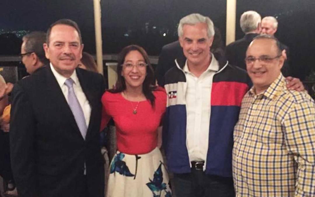 Quique Antún llegó a El Salvador y fue recibido por líderes de ARENA y la candidata Vicepresidencia