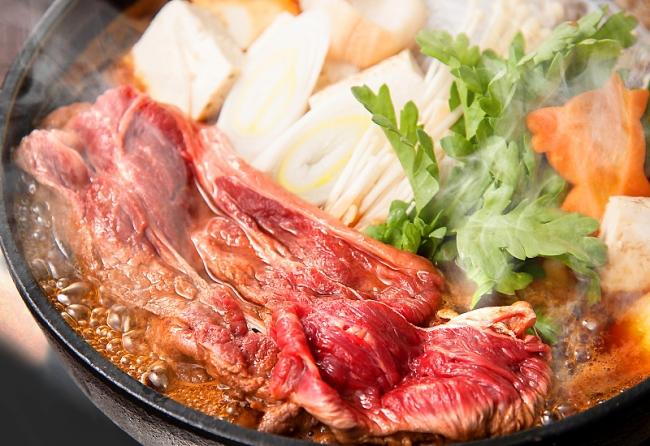 寒い冬には、精力がつく馬肉のすき焼き「桜鍋」を!