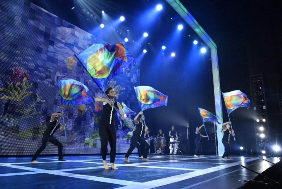 2016年公演より。「アンダー・ザ・シー」舞台写真