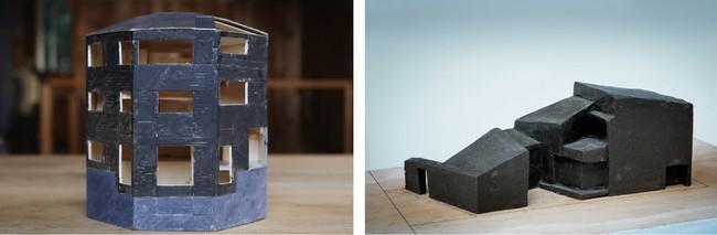 左)伊藤 寛 「黒水晶の家」 プロセス模型  右)高野 保光 「つづら折りの家」粘土によるプロセス模型 ©️井上裕太