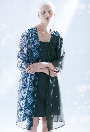 [アルチザン]シャツドレス ¥63,720(7・9号)、 ¥66,960(13+号)*全て税込