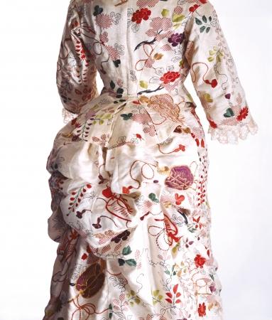 ターナー「ドレス」1870年代 京都服飾文化研究財団蔵 リチャード・ホートン撮影