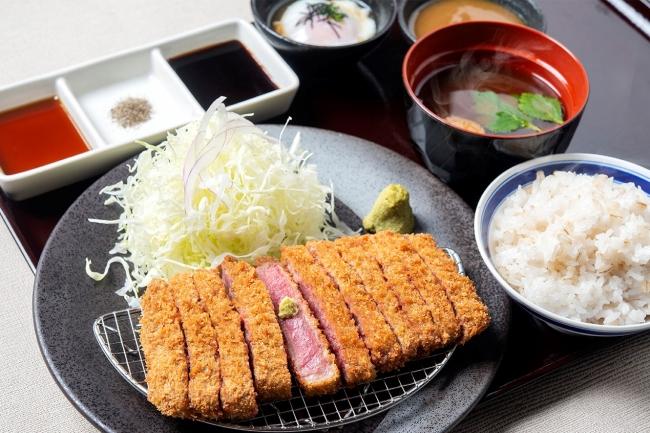 牛リブロースカツ膳:1,278円(+税)
