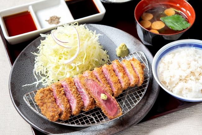 「牛ロースカツ膳」並 1,480円(+税)