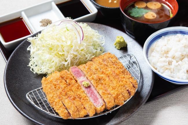 「牛リブロースカツ膳」:1280円(+税)