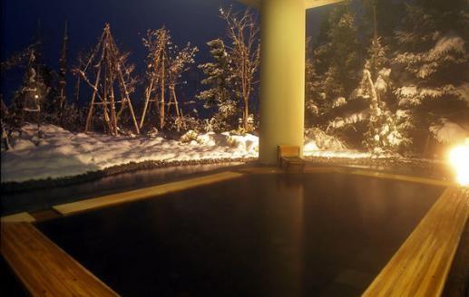2位 新潟県「あてま温泉 当間高原リゾート ベルナティオ」の「月見の湯・露天風呂」。