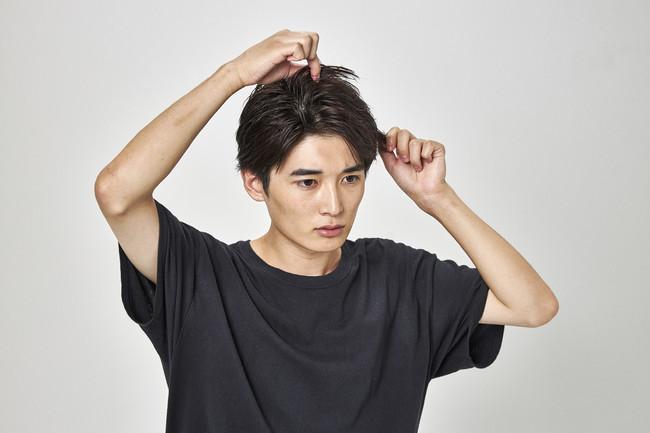 ■シャイニーキープ 輝くツヤ感とセット力で毛先までキマる、上げる髪型に特化