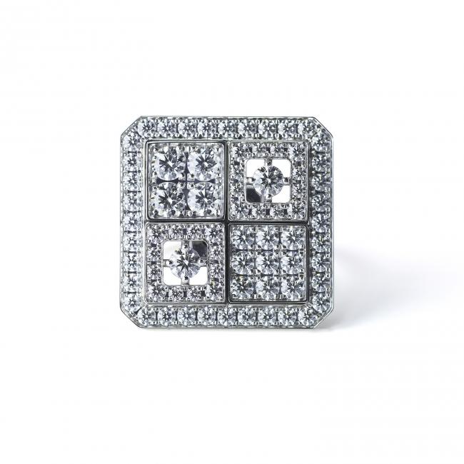 「京小路 KYOKOMICHI」。  雨上がりに輝く京の石畳をモチーフにしたリング。  (750WG, Diamond)