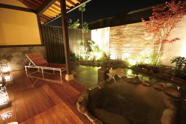 夜24時以降も開いている深夜温泉と、24時間営業の温泉を掲載