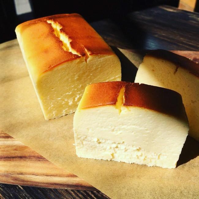 看板商品「KAKA」。4種のチーズをブレンドした濃厚な味わい。
