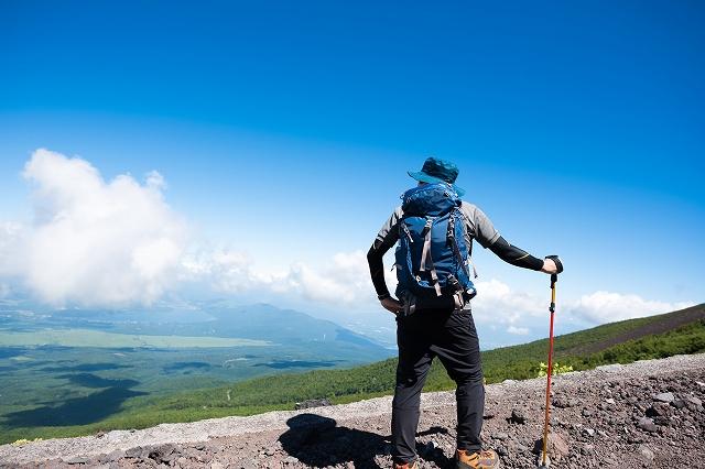 男性限定の登山(イメージ)