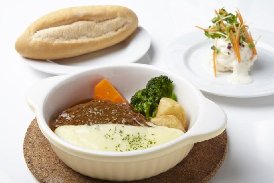 カレーソースチーズハンバーグセット(リアルダイニングカフェ観音屋)