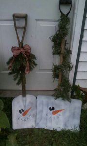 outdoor-snowman-shovel