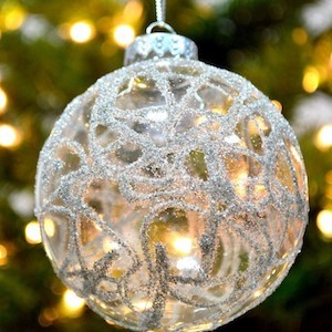 Decorating Clear Glass Christmas Ornaments  from i2.wp.com