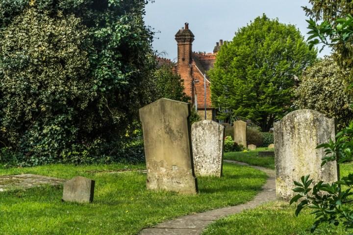 Uxbridge - Kościół św Jana Chrzciciela, cmentarz