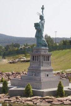 Krajno - Statua Wolności jak żywa