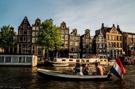 Amsterdam - czasami brak samochodu, ale łódka musi być